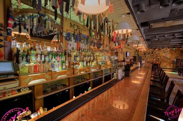 коктейльный шоу-бар